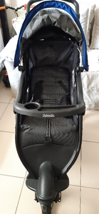 Used Kolcraft stroller 3 wheels in Dubai, UAE