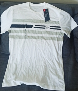 Used Under Armour t-shirt size M for men in Dubai, UAE