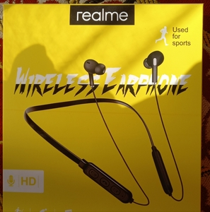 Used Reaime Bluetooth Headphones in Dubai, UAE