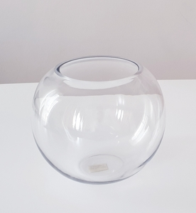 Used Glass vase in Dubai, UAE