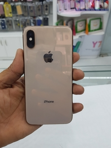 Used IPhone xs 64 gb in Dubai, UAE