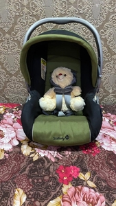 Used Safety 1st car seat infant in Dubai, UAE