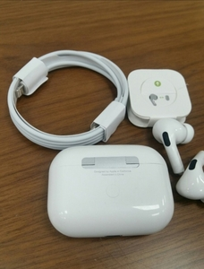 Used Apply Airpods pro Fast editors in Dubai, UAE