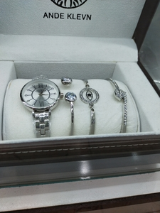 Used Lady watch & bracelet in Dubai, UAE