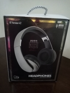 Used KD 23 HEADPHONES WIRELESS BLUETOOTH NEW. in Dubai, UAE