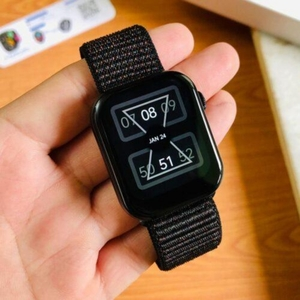 Used APPLE ONLY NEW ONE SMARTWATCH. FK 78 in Dubai, UAE
