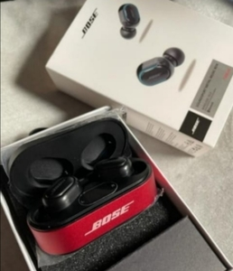 Used BOSE BLUETOOTH DIGITAL EARPHONES,, in Dubai, UAE
