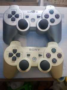 Used Playstation 3 original sony controller 2 in Dubai, UAE