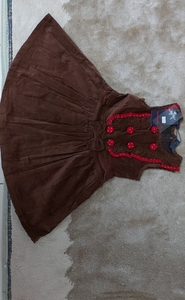 Used baby valvet dress good quality in Dubai, UAE