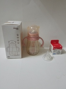 Used Baby's feeder + baby's nipple Brand New in Dubai, UAE