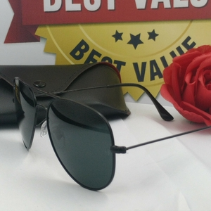 Used RAYBAN AVIATOR SUNGLASSES GS01. in Dubai, UAE