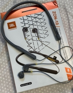 Used JBL BLUETOOTH HEADSET BUY TODAY STYLISH in Dubai, UAE