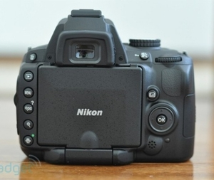 Used Nikon D5000 Camera With 18-105mm lens in Dubai, UAE