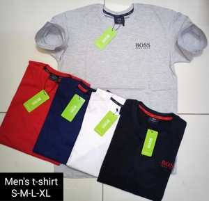 Used Men's t-shirt 4pcs promo 💯 Cotton in Dubai, UAE