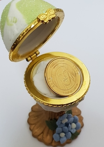 Used 1 gold plated coin in Dubai, UAE