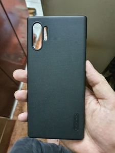 Used Note 10 + thin cover in Dubai, UAE
