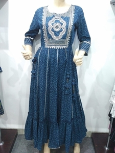 Used Blue print embroidered gown (XL) in Dubai, UAE