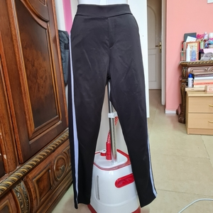 Used M/L comfy pant with white sides stripes in Dubai, UAE