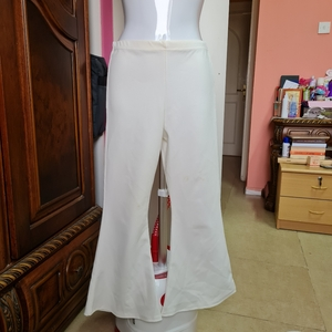 Used PRETTYLITTLETHING white pants size S in Dubai, UAE