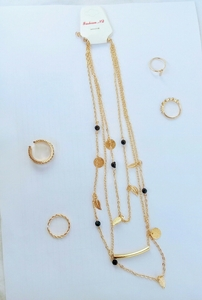 Used 3 layered ladies neckless in Dubai, UAE