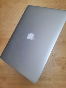 Used Apple Macbook Pro i7 15-inch Retina in Dubai, UAE