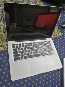 Used Apple MacBook LCD broken in Dubai, UAE