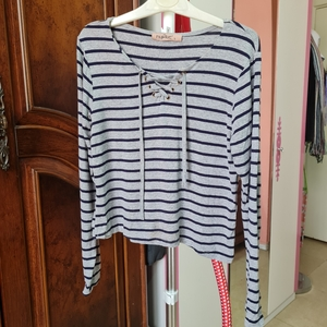 Used Medium size fullsleeves top size M in Dubai, UAE
