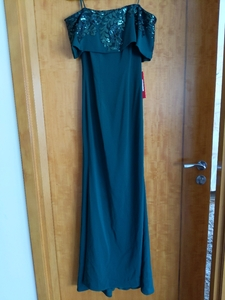 Used Elegant Off-Shoulder Green Evening Dress in Dubai, UAE