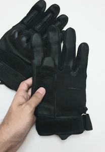 Used Full finger Tactial Gloves 2 pcs in Dubai, UAE