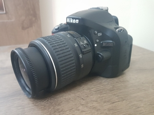 Used Nikon D5200 DSLR Pro Camera with Tripod in Dubai, UAE