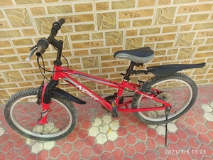 Used Bicycle for 7/11 yr old in Dubai, UAE