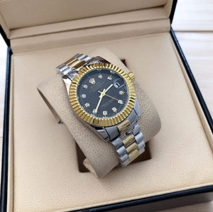Used Rolex for her AAA battery powered in Dubai, UAE