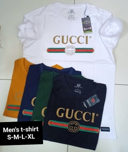 Used Men's t-shirt 4pcs promo(S-M-L-XL) in Dubai, UAE