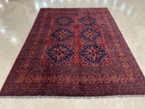 Used 9x12 ft area rug hand knotted 265x365 cm in Dubai, UAE
