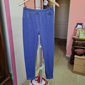 Used Strechable Pants size S/M in Dubai, UAE