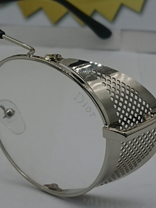 Used DIOR PROTECTION GLASS GS01 in Dubai, UAE