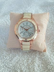 Used Classic women's watch in Dubai, UAE