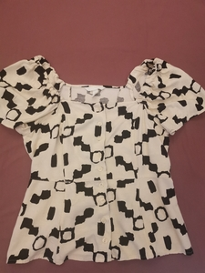 Used H&M top size M in Dubai, UAE