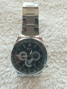 Used Elegant watch in Dubai, UAE