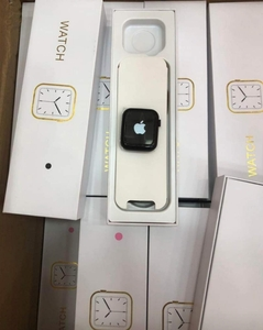 Used Series 6 Apple logo smart watch in Dubai, UAE