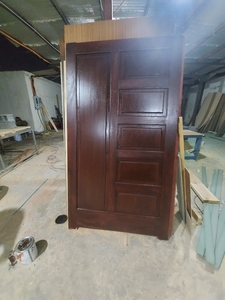 Used Wood door in Dubai, UAE
