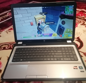 Used Hp Pavillion Laptop G7 (Large SCREEN) in Dubai, UAE