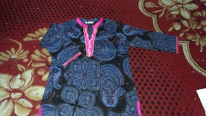 Used Very beautiful kameez size large in Dubai, UAE