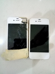 Used IPhone 4 and 4s part off sale in Dubai, UAE