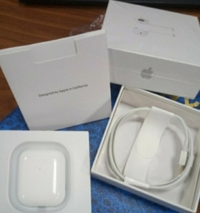 Used APPLE AIRPODS WITH CHARGING CASE ELE1 in Dubai, UAE