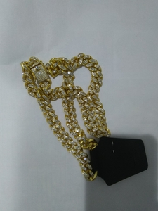 Used Crystal Cuban link Necklace Gold in Dubai, UAE