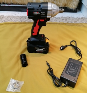 Used Electric cordless impact wrench 288vf in Dubai, UAE