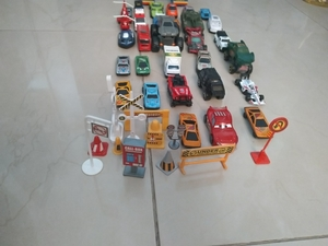 Used Toy vehicles with road signs in Dubai, UAE