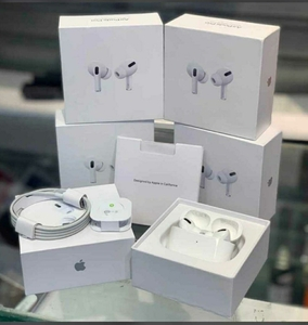 Used Appile Head ♥️phone special offers in Dubai, UAE