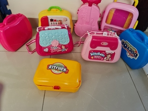 Used 8 Lunch Boxes in Dubai, UAE